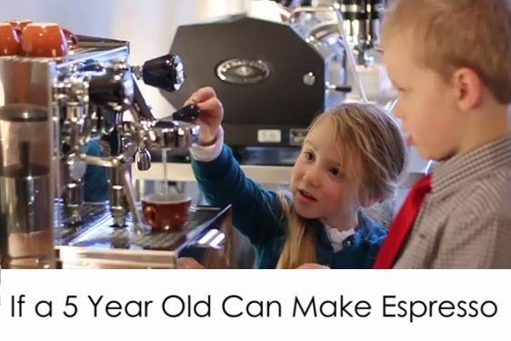 ילדים מכינים קפה