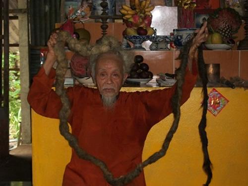 האדם שלא הסתפר במשך 70 שנים